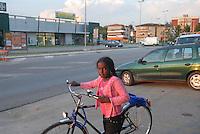 """- a small community of Tuareg, the legendary """"blue men"""" of Sahara, coming from, Niger has settled in Pordenone, town of Italian northeast, being able to achieve a good degree of integration although in the respect of their traditional culture; Tima, daughter of Haddo Oubana El Hadji on the road near their house in Porcia municipality....- una piccola comunità di Tuareg, i leggendari """"uomini blu"""" del Sahara, provenienti dal Niger, si sono stabiliti a Pordenone, città del nord-est italiano, riuscendo a conseguire un buon grado di integrazione pur nel rispetto della loro cultura tradizionale; Tima, figlia di Haddo Oubana El Hadji sulla strada nei pressi della loro casa nel comune di Porcia"""