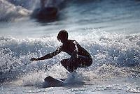 Europe/France/Aquitaine/64/Pyrénées-Atlantiques/Biarritz: Surfeur sur la grande plage