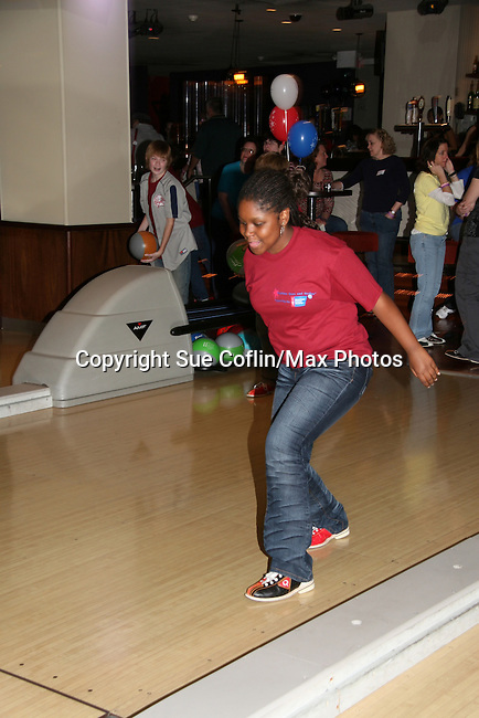 "One Life To Live's Shenell Edmonds ""Destiny"" at the 2009 Daytime Stars and Strikes to benefit the American Cancer Society to benefit the American Cancer Society on October 11, 2009 at the Port Authority Leisure Lanes, New York City, New York. (Photo by Sue Coflin/Max Photos)"