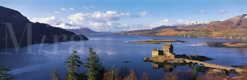 © David Paterson.Loch Duich and Eilan Donan Castle, west Invernesshire, Scottish Highlands, with snow-clad hills of Skye in the distance (left/centre)...Keywords: loch, lake, sea-loch, fjord, castle, fort, fortress, keep, stronghold, Duich, Eilan, Donan, island, clan, Scotland, Highlands, Inverness, history