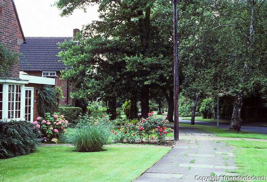 Welwyn: English Suburban Idyll--Sherrardspark Road, looking south. Photo '87.