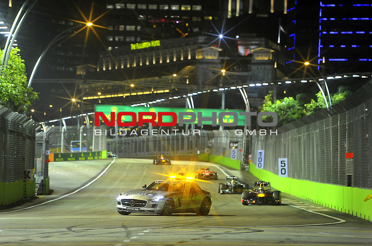 19.-22.09.2013, Marina-Bay-Street-Circuit, Singapur, SIN, F1, Grosser Preis von Singapur, Singapur, Safety Car Phase<br />  Foto &copy; nph / Mathis