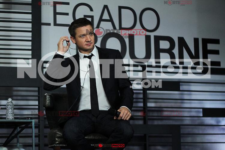"""México, D.F.- 22agosto2012 - St Regis Hotel.El actor californiano Jeremy Renner, ofreció una conferencia de prensa en México para promocionar su reciente película """"El Legado Bourne"""", .Photo: ©Alberto Viveros/DAMMPHOTO.COM. NortePhoto.com<br /> <br /> **CREDITO*OBLIGATORIO** *No*Venta*A*Terceros*<br /> *No*Sale*So*third* ***No*Se*Permite*Hacer Archivo***No*Sale*So*third*"""