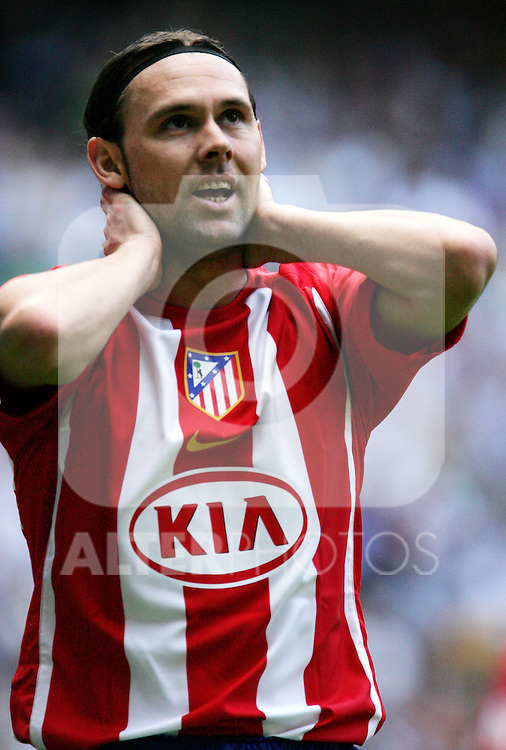Atletico de Madrid's Maniche reacts during Spanish La Liga match between Real Madrid and Atletico de Madrid at Santiago Bernabeu stadium in Madrid, Sunday 01 October, 2006. (ALTERPHOTOS/Alvaro Hernandez).