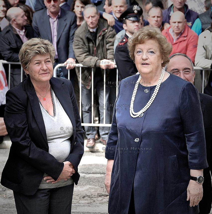 Susanna Camusso e Anna Maria Cancellieri durante i funerali di Placido Rizzotto a Corleone