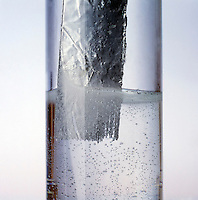 ALUMINUM DISSOLVES IN HCl<br />