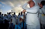 Samaritan prayer at Passover on Mt. Gerizim<br />