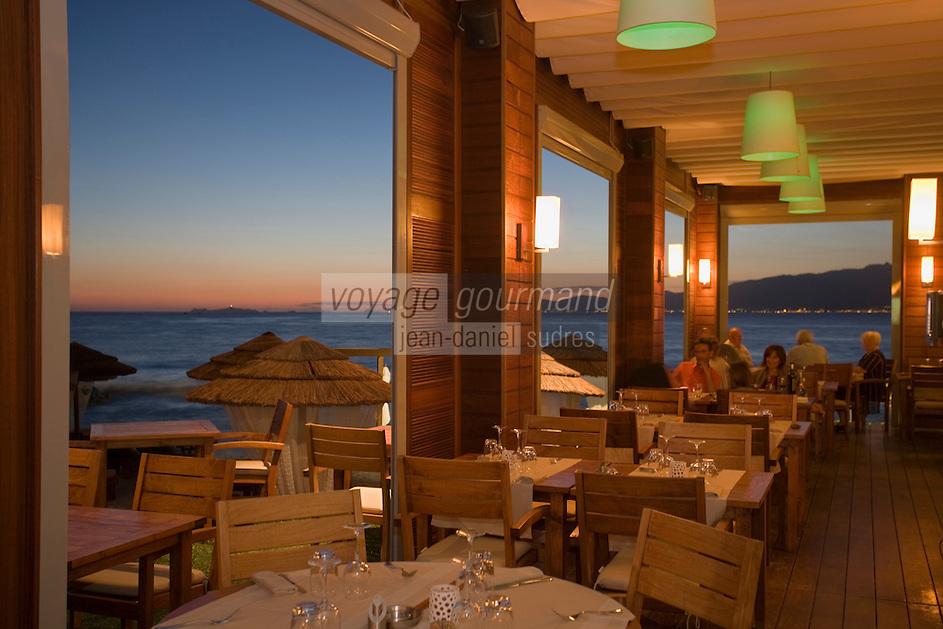 """Europe/France/2A/Corse du Sud/Coti-Chiavari: """"A Pineta"""", plage de Mare et Sole -le restaurant  paillote  de charme de  Johann Carta"""