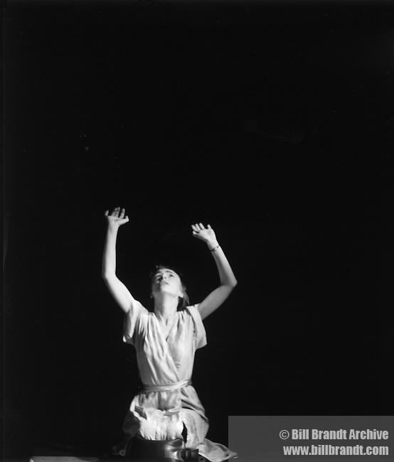 Eva posing 1940s