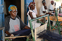 BURKINA FASO, Kaya, aid project of catholic church for forced married women in Boken, textile workshop, vocational training and employment / Hilfsprojekt der katholischen Kirche fuer zwangsverheiratete Frauen in Boken, Arbeit und Ausbildung in einer Weberei