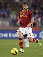 Calcio, Serie A: Roma vs Palermo. Roma, stadio Olimpico, 4 novembre 2012..AS Roma forward Pablo Daniel Osvaldo in action during the Italian Serie A football match between AS Roma and Palermo, at Rome's Olympic stadium, 4 november 2012..UPDATE IMAGES PRESS/Riccardo De Luca