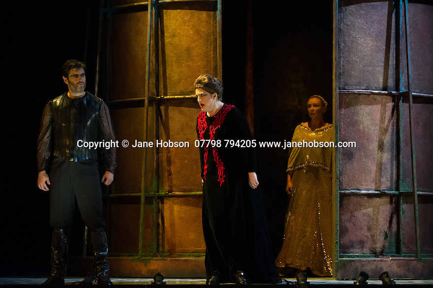 London, UK. 15.10.2014. English Touring Opera presents OTTONE, by George Frideric Handel, directed by James Conway, at the Hackney Empire. Picture shows:  Photograph © Jane Hobson.