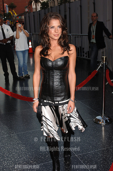 KELLY MONACO at the 2005 World Music Awards at the Kodak Theatre, Hollywood, CA..August 31, 2005  Los Angeles, CA..© 2005 Paul Smith / Featureflash