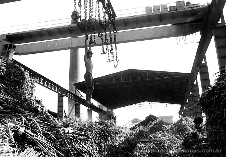 Fevereiro de 2001 - Usina Catende, em Catende - aproximadamente 100 km de Pernambuco, administrada por trabalhadores. Projeto de autogestão..February of 2001 - Usina Catende, in Catende - approximately 100 km of Pernambuco, administered by workers.