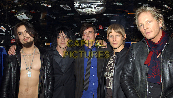 DAVE NAVARRO, BILLY MORRISON, DONOVAN LEITCH, CHRIS CHANEY & MATT SORUM - CAMP FREDDY.Backstage at The Camp Freddy South East Asia Tsunami Relief Fund Benefit held at The Key Club in West Hollywood, California .January 27th, 2005.band music, group, chest, half length.www.capitalpictures.com.sales@capitalpictures.com.Supplied By Capital PIctures