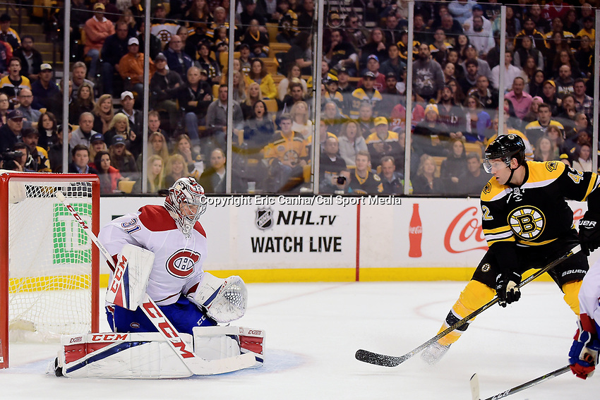 Saturday, Oct 22, 2016: Boston Bruins right wing David Backes (42) watches the puck go by Montreal Canadiens goalie Carey Price's (31) head during the National Hockey League game between the Montreal Canadiens and the Boston Bruins held at TD Garden, in Boston, Mass.  Eric Canha/CSM