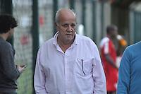 SÃO PAULO, SP, 05.05.2015 - TREINO - SÃO PAULO FC - José Sanchez medico do São Paulo durante treino da equipe no Centro de Treinamento da Barra Funda região oeste de São Paulo, nesta terça-feira, 05. (Foto: Bruno Ulivieri / Brazil Photo Press).