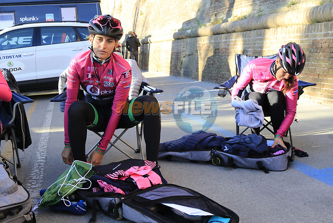BePink team get ready before the Strade Bianche Women Elite 2019 running 133km from Siena to Siena, held over the white gravel roads of Tuscany, Italy. 9th March 2019.<br /> Picture: Eoin Clarke | Cyclefile<br /> <br /> <br /> All photos usage must carry mandatory copyright credit (© Cyclefile | Eoin Clarke)