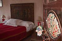 Afrique/Afrique du Nord/Maroc/Essaouira: Riad: Villa Garance - détail d'une chambre