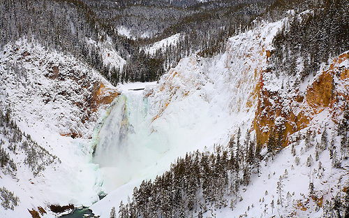 THE LOWER FALLS OF YELLOWSTONE AT THE GRAND CANYON OF THE YELLOWSTONE