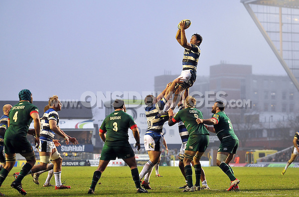 Francois Louw of Bath Rugby wins the ball at a lineout. Aviva Premiership match, between Leicester Tigers and Bath Rugby on January 4, 2015 at Welford Road in Leicester, England. Photo by: Patrick Khachfe / Onside Images