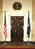 Washington, DC - December 4, 2000 -- View of the official White House Christmas tree in the Blue Room looking across the cross hall from the Grand Foyer in the White House in Washington, D.C. on December 4, 2000..Credit: Ron Sachs - CNP
