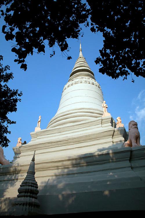Wat Phnom temple Phnom Penh, Cambodia. <br /> <br /> Photos &copy; Dennis Drenner 2013.