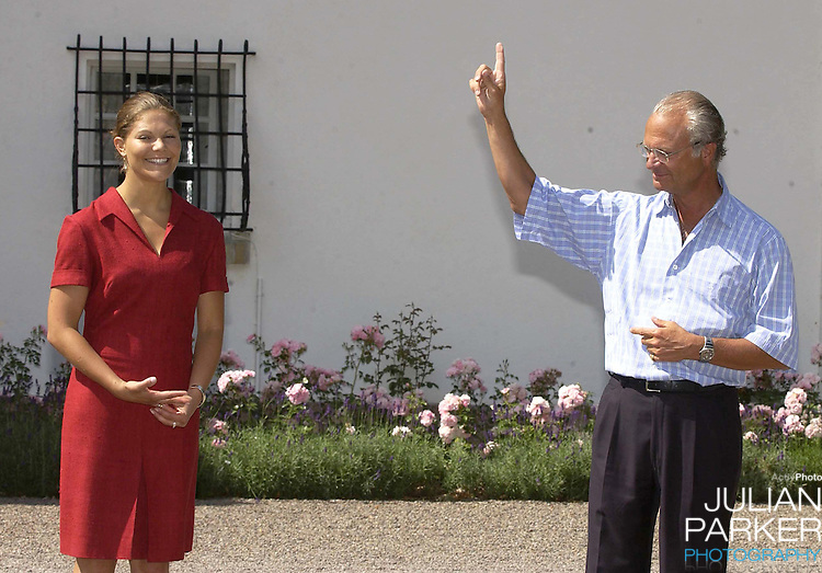 CROWN PRINCESS VICTORIA OF SWEDEN CELEBRATES HER 25TH BIRTHDAY, .WITH HER PARENTS, AT SOLLIDEN, NEAR BERGHOLM, SWEDEN..14/7/02.  PICTURE: UK PRESS   (ref 5105-2)