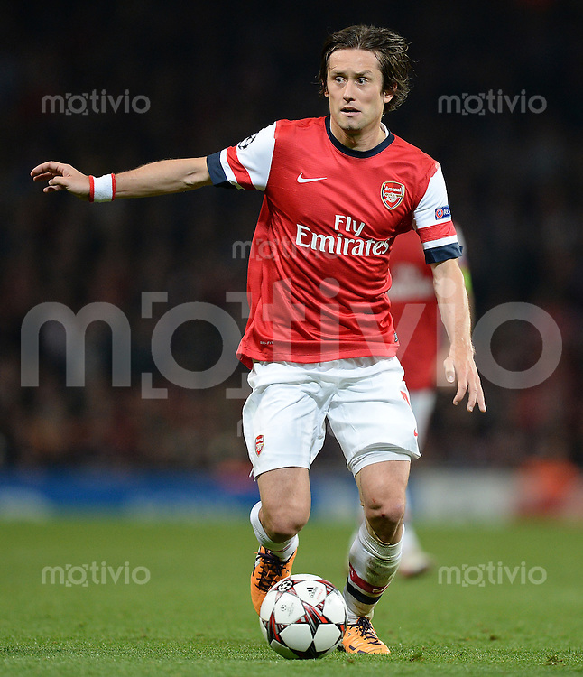 FUSSBALL   CHAMPIONS LEAGUE   VORRUNDE     SAISON 2013/2014    Arsenal London - SSC Neapel   01.10.2013 Tomas Rosicky (Arsenal) Einzelaktion am Ball