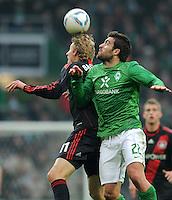 FUSSBALL   1. BUNDESLIGA   SAISON 2011/2012   19. SPIELTAG Werder Bremen - Bayer 04 Leverkusen                    28.01.2012 Stefan Kiessling (li, Bayer 04 Leverkusen) gegen Sokratis Papastathopoulos (re, SV Werder Bremen)