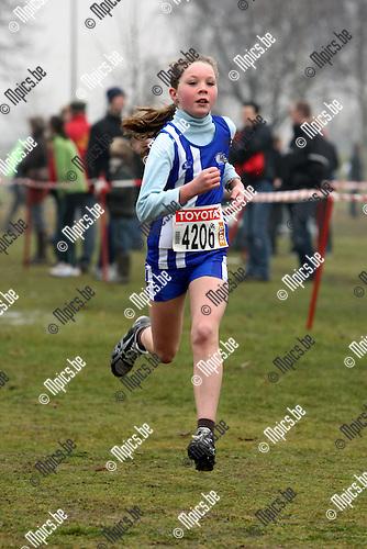 2010-02-07 / Atletiek / PK Veldlopen Mechelen / Pupillen meisjes 2000 / Daphne Auwers werd 5e..Foto: mpics