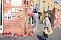 Roma, 21 Aprile 2011.Piazzale del Verano.davanti all'istituto di medicina legale  per salutare  Vittorio Arrigoni . the arrival of the remains of  Vittorio Arrigoni..