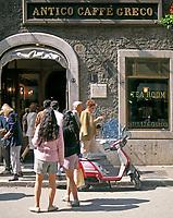 ITA, Italien, Lazio, Rom: Cafe Greco in der Via Condotti | ITA, Italy, Lazio, Rome: Cafe Greco at Via Condotti