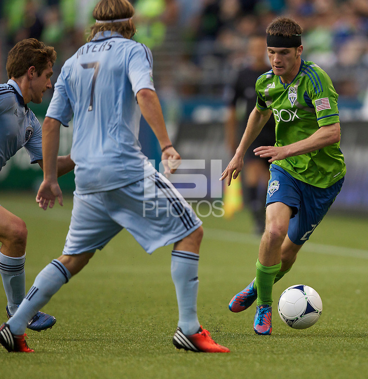SEATTLE WASHINGTON - Wednesday, June 20, 2012: The Seattle Sounders FC in an MLS match against Sporting KC on XBox Pitch at CenturyLink Field. The match ended in a 1-1 draw