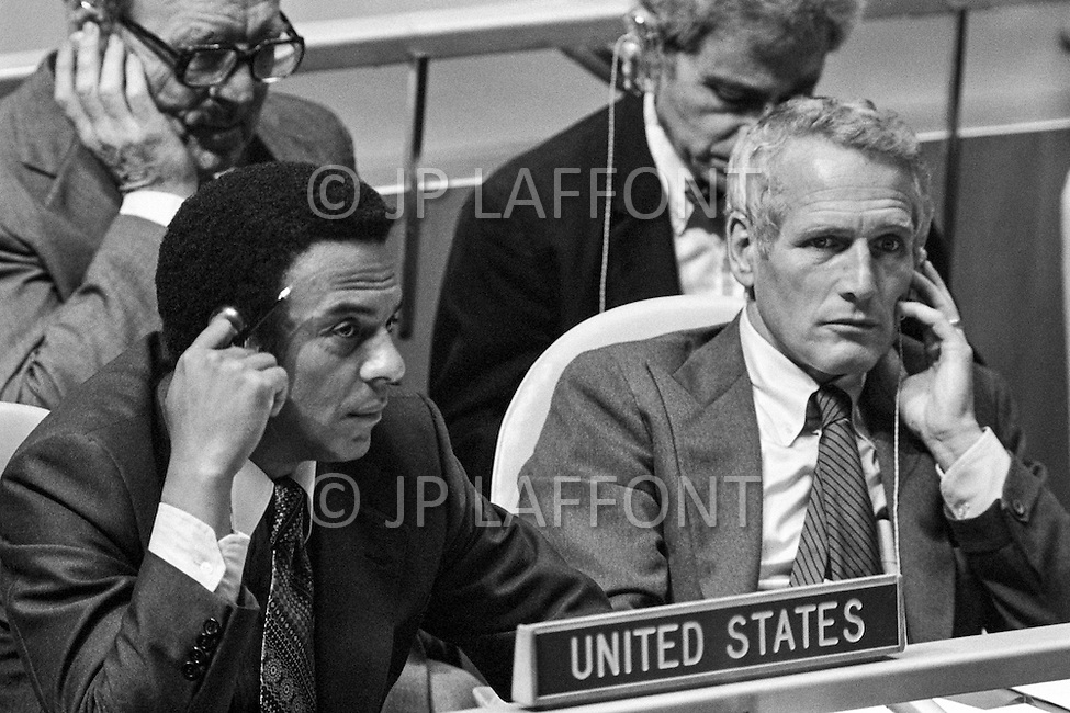 29 May 1978, New York, New York, USA --- The American UN delegation, represented by Charles Welhan and actor, producer and director Paul Newman at a special session of peace talks during the 10th UN General Assembly on Disarmament. The talks took place between 23rd May and 30th June 1978. --- Image by © JP Laffont