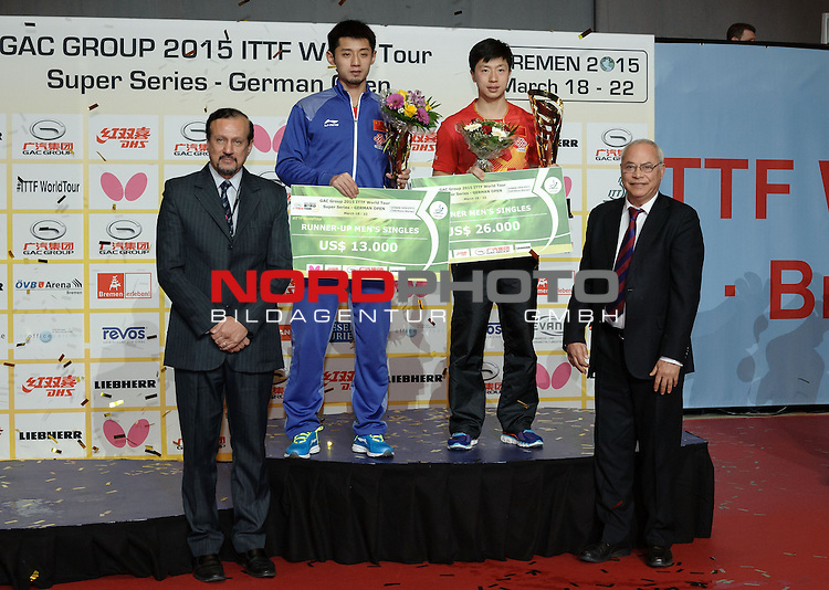 22.03.2015, &Ouml;VB Arena, Bremen, GER, GAC Group ITTF World Tour German Open, im Bild Siegerehrung Herren-Einzel: 1. Platz Ma Long (CHN), 2. Platz Zhang Jike (CHN)<br /> <br /> Foto &copy; nordphoto / Frisch
