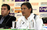MANIZALES-COLOMBIA. 11- 12-2013. Presentacion   de Flavio Torres como nuevo director tecnico del equipo  Once Caldas ,sala de prensa estadio Palogrande ./ Presentation of Flavio Torres as the new coach  of the team Once Caldas, Palogrande stadium press room.Photo / VizzorImage / Santiago Osorio / Stringer