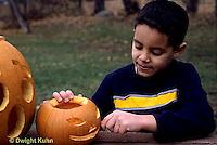 HS24-315z  Pumpkin - boy carving jack-o-lantern