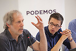 Economics specialist Robert Pollin (L) and Inigo Errejon during a `Podemos´ political party press conference in Madrid, Spain. June 22, 2015. (ALTERPHOTOS/Victor Blanco)