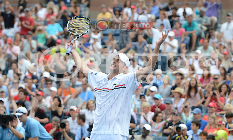 FLUSHING NY- SEPTEMBER 2: Andy Roddick celebrates after forth set victory Fabio Fognini on Arthur Ashe stadium at the USTA Billie Jean King National Tennis Center on September 2, 2012 in in Flushing Queens. Credit: mpi04/MediaPunch Inc. ***NO NY NEWSPAPERS*** /NortePhoto.com<br /> <br /> **CREDITO*OBLIGATORIO** <br /> *No*Venta*A*Terceros*<br /> *No*Sale*So*third*<br /> *** No*Se*Permite*Hacer*Archivo**<br /> *No*Sale*So*third*
