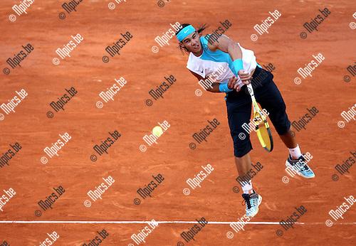 29-05-2007 TENNIS:ROLAND GARROS 2007:PARIJS.Rafael Nadal (ESP) tijdens zijn wedstrijd tegen Juan Martin Del Potro (ARG) .Foto: Maarten Straetemans