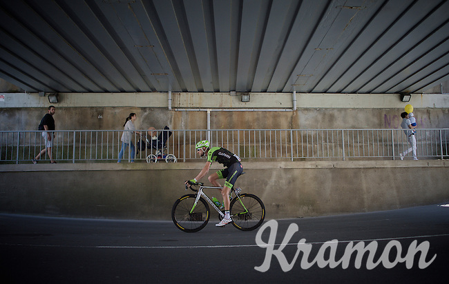 2012 Giro winner Ryder Hesjedal (CAN/Cannondale-Garmin) on his way to the start<br /> <br /> 2015 Giro<br /> st4: Chiavari - La Spezia (150km)