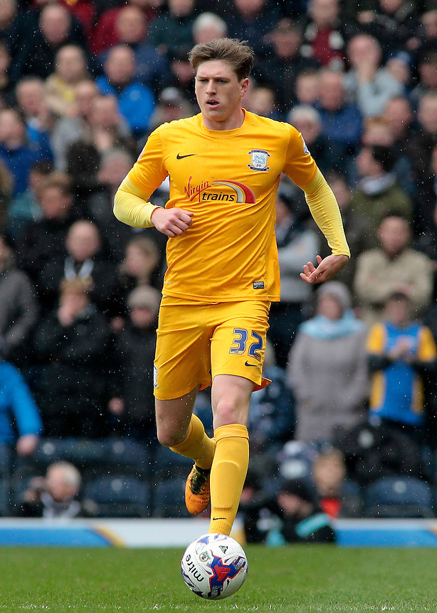Preston North End&rsquo;s Adam Reach in action during todays match  <br /> <br /> Photographer David shipman/CameraSport<br /> <br /> Football - The Football League Sky Bet Championship - Blackburn Rovers v Preston North End - Saturday 2nd April 2016 - Ewood Park - Blackburn<br /> <br /> &copy; CameraSport - 43 Linden Ave. Countesthorpe. Leicester. England. LE8 5PG - Tel: +44 (0) 116 277 4147 - admin@camerasport.com - www.camerasport.com