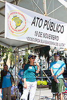 CURITIBA, PR, 19 DE NOVEMBRO DE 2013 - IDOSO- ATO PÚBLICO . Ness terça-feira (19), realiza rua XV de novembro, centro de curitiba, ato público para cobrar as entidades e políticos aos comprimentos do estatuto do idoso e o comprimento das leis. Ato finaliza o V encontro nacional pelos direitos das pessoa idosa que acontece em Curitiba-PR. FOTO: PAULO LISBOA / BRAZIL PHOTO PRESS.