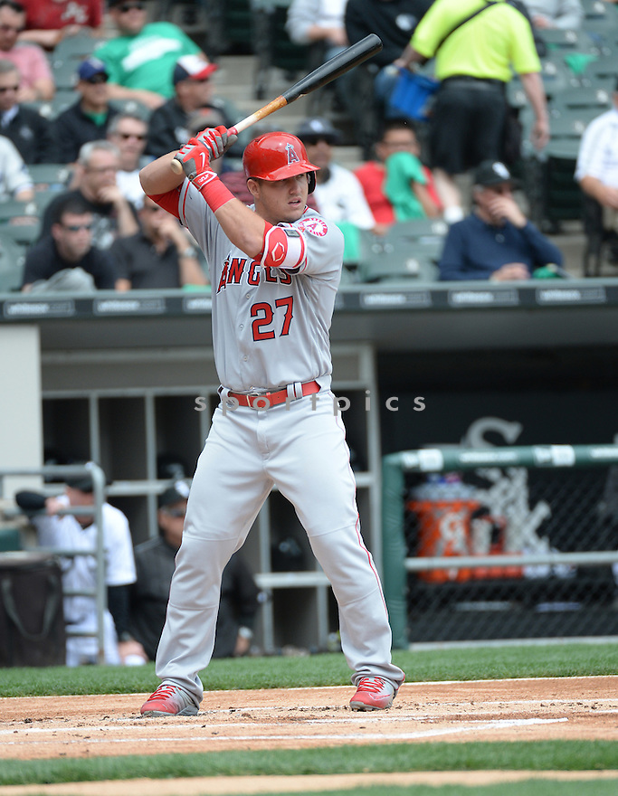 Los Angeles Angels Mike Trout (27) during a game against the Chicago White Sox on April 21, 2016 at US Cellular Field in Chicago, IL. The Angels beat the Sox 3-2..