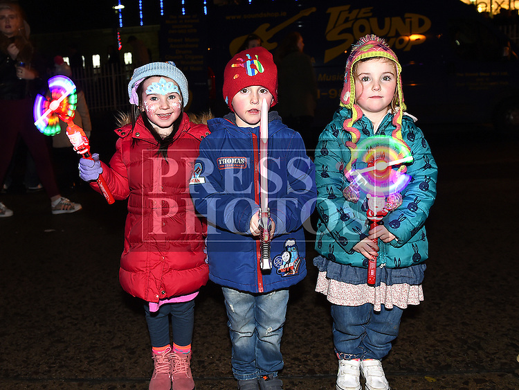 Sophie, Tadhg and Ellie McCormack at the Fireworks display sponsored by Funtasia at Scotch Hall Shopping Centre as part of the Drogheda Christmas BonanzaFestival. Photo:Colin Bell/pressphotos.ie