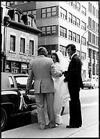 Mariage, rue Notre-Dame<br /> <br /> PHOTO :  Patry- Agence Quebec Presse <br /> <br /> NOTE : Scan de tirages non dates - des cans de negatif suiverons avec les dates