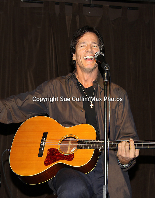 "Guiding Light's Bradley Cole performs a couple of his original songs at a showcase called ""Wednesday Nights at the Iguana"" October 6th in New York City. (Photos by Sue Coflin/Max Photos)"