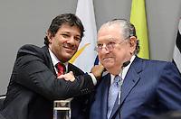 ATENCAO EDITOR: FOTO EMBARGADA PARA VEICULOS INTERNACIONAIS. SAO PAULO, SP, 10 DE DEZEMBRO DE 2012 - O prefeito eleito Fernando Haddad ao lado do presidente da Fecomercio Abram Sjaziman durante plenaria na Federacao Comercio de Sao Sao Paulo, regiao central da capital, na tarde desta segunda feira, 10. FOTO: ALEXANDRE MOREIRA - BRAZIL PHOTO PRESS.