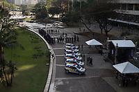 """SÃO PAULO, SP - 23.09.2013 - SOLENIDADE ENTREGA DE NOVAS VIATURAS DA GCM - Solenidade de entrega das novas viaturas da GCM, a prefeitura de São Paulo entrega nesta manhã de segunda-feira (23) as novas viaturas da GCM (Guarda Civil Metropolitana), entre as novas viaturas terá 5 ônibus do programa """"Crack é possível vencer"""". A serimonia contará com a presença do prefeito Fernando Haddad. (Foto: Marcelo Brammer/Brazil Photo Press)"""
